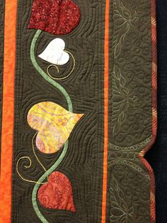 A Quilt and A Prayer: Promised Quilt Show Photos! Applique Patterns, Applique Quilts, Quilt Patterns, Hand Applique, Quilt Binding, Quilt Stitching, Machine Quilting Designs, Quilting Projects, Sewing Projects