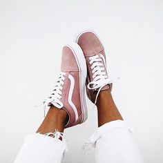 26 Cozy Casual Shoes That Always Look Great – c l e m e n . p a i n t / 26 Cozy Casual Shoes That Always Look Great Unique Casual High Heels Sock Shoes, Vans Shoes, Cute Shoes, Me Too Shoes, Shoe Boots, Pink Sneakers, Superga Sneakers, Summer Sneakers, Sneaker Outfits