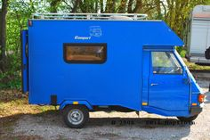 Le piaggio ape moca camper : le plus petit camping-car du monde Mini Camper, Car Camper, Camper Caravan, Rv Campers, Camper Van, Camper Trailers, Travel Trailers, Piaggio Ape, Vespa Ape