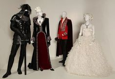 Once Upon a Time - Guardsman, Regina, Charming and Snow White's wedding gown