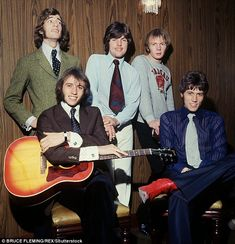 Early Bee Gees (Robin's face!)