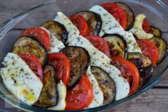 Food in Italy - a tasty salad Salad Decoration Ideas, Roasted Eggplant Dip, My Favorite Food, Favorite Recipes, Salad Dishes, Healthy Comfort Food, Healthy Life, Cooking Recipes, Healthy Recipes