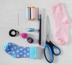 Sock teddy bear tutorial easy video tutorial socks bears and descubra como fazer lindos coelhinhos usando meia ideia genial para lembrancinhas negle Choice Image