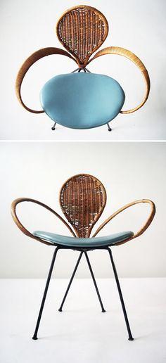 Such a unique vintage French modernist fleur-d.e-lis arm chair Find Furniture, Vintage Furniture, Modern Furniture, Furniture Design, Plywood Furniture, Modern Chairs, Kitchen Furniture, Chair Design, Mid Century Chair