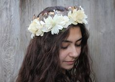 Ivory Blossom and Feather Bridal Flower Crown. Bohemian Bride Floral Headpiece, Flower and Feather Headdress, Festival Crown, Tribal