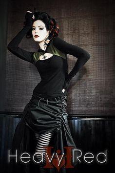 That skirt O_O