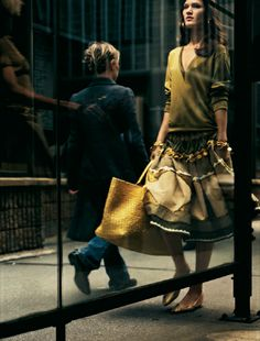 bottegaveneta:    Spring-Summer 2005 featuring Philip - Lorca diCorcia  In this campaign, shot with the artist Philip-Lorca diCorcia, Bottega Veneta left the studio and headed to Wall Street. DiCorcia was an inspired choice to navigate the transition from the brand's earlier product-only focus to a broader, more expansive sense of identity.