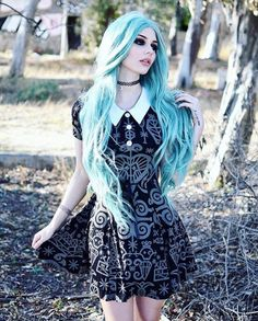 - Hair Style-awesome Blue hair… by www.danazhaircuts…… – Hair Styles awesome awesome Blue hair… by www.danazhaircuts…… by www. Dark Beauty, Goth Beauty, Alternative Mode, Alternative Fashion, Gothic Fashion, Look Fashion, Grunge Fashion, Fashion Ideas, Gothic Mode