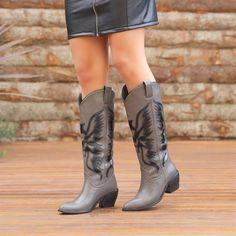 Tegala Gri Desenli Diz Altı Western Çizme  #grey #western #heels #longboots #boots #gri #topuklu #çizme #kovboy Western Boots, Cowboy Boots, Tabata, Shoes, Fashion, Moda, Zapatos, Shoes Outlet, Fashion Styles