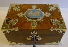 STUNNING ANTIQUE ENGLISH BRASS MOUNTED WALNUT JEWELLERY BOX JASPERWARE PLAQUE C1860