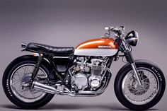 Custom Honda CB550 by Braam Nel