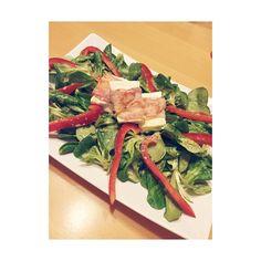 Ummantelter Schafskäse im Salatbett #foodblog #foodporn #fooddiary #lowcarb #abnehmen #instagramer #delicious #nomnom #lowcarbmeal #lc #tasty #healthy #eathealthy #eatclean by sabrina.blau