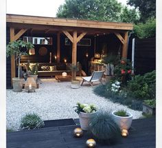 21 BOHEMIAN GARDEN IDEAS When you are decorating your home, then you might come across many different themes and styles. One of the most famous themes among the lot is Bohemian. It is a theme that looks beautiful in a garden. Garden Types, Diy Garden, Home And Garden, Garden Plants, Garden Cottage, Balcony Garden, Garden Beds, Unique Gardens, Beautiful Gardens