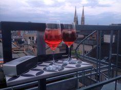 Wien Balcony, Alcoholic Drinks, The Neighbourhood, Glass, Table, Outdoor, Outdoors, The Neighborhood, Drinkware