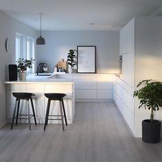 White black – Kitchen decor ideas - Home Decor ideas Kitchen Room Design, Home Room Design, Modern Kitchen Design, Home Decor Kitchen, Interior Design Kitchen, Home Kitchens, Modern Design, Cuisines Design, Küchen Design