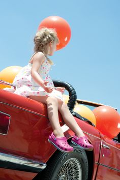 crocs #THIS LITTLE GIRL THINKS SHES INDIE