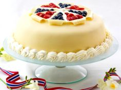 Syttende Mai Kake - bring on the fresh berries. Delicious Cake Recipes, Yummy Cakes, Yummy Food, Healthy Recipes, Norwegian Food, Norwegian Recipes, Norway Food, Marzipan Cake, Scandinavian Food