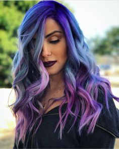 Shock Blue And Purple Colored Long Wavy Hair. Purple hair color variations surprise us with their numerousness and versatility. And taking into account the increasing popularity of purple hairstyles, we think that it is time to discuss this topic in detai Blue Ombre Hair, Hair Color Purple, Hair Dye Colors, Pastel Hair, Cool Hair Color, Cool Hair Dyed, Violet Hair, Long Purple Hair, Deep Purple