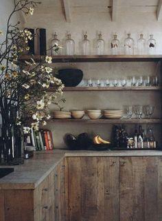 Las cocinas rústicas levantan pasiones. Te mostramos más de 30 fotos con las mejores ideas y consejos para decorar una cocina rústica.