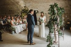 Rustic French Wedding With Elegant And Minimal Styling By Another Story Studio With Bride In Laure De Sagazan The Mews Notting Hill Images by Darek Smietana European Wedding, French Wedding, Wedding Looks, Boho Wedding, Wedding Flowers, Dream Wedding, Wedding Day, Laura Lee, Wedding Designs