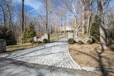 Need a driveway gate installed or repaired? Tri State Gate is a BBB-accredited custom driveway gate company serving New York, New Jersey & Connecticut. Wrought Iron Driveway Gates, Iron Gates, Driveway Materials, Bedford Hills, Driveway Design, Entry Gates, Gate Design, House Entrance