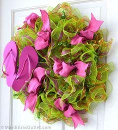 Flip Flops and Ribbon Tucks... Make this Wreath using baby/toddler flip flops.. So cute!