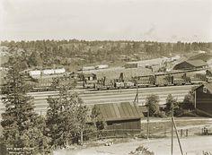 Pasilan ratapiha. Taustalla kulkee rata kohti konepajaa. Signe Brander 1911.