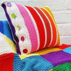 Crochet Pillow Cases, Crochet Pillow Patterns Free, Free Crochet, Knitting Patterns, Cushion Cover Pattern, Crochet Cushion Cover, Knitted Cushion Pattern, Crochet Sweater Design, Crochet Designs