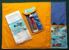 Jogo americano/ toalha / porta escova de dentes - by Nilda Dias