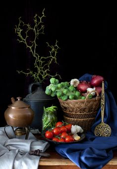 ♂ Still life with dark background rich vivid colors