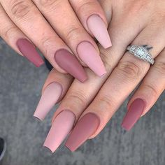 Want some ideas for wedding nail polish designs? This article is a collection of our favorite nail polish designs for your special day. Read for inspiration Simple Acrylic Nails, Pink Acrylic Nails, Simple Nails, Matte Almond Nails, Coffin Nails Matte, Pastel Pink Nails, Matte Pink, Fire Nails, Dream Nails