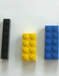 Learning with LEGOs!  Use the blocks to learn skip counting concepts {painlessly}.