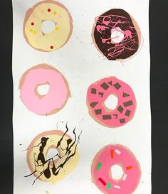 completely in love with these first grade donut collages inspired by Thiebaud. Best part is they were partially painted by slices of a pool noodle! First Grade Art, 2nd Grade Art, Kindergarten Art, Preschool Art, Art Carte, School Art Projects, Art Lessons Elementary, Art Lesson Plans, Art Classroom