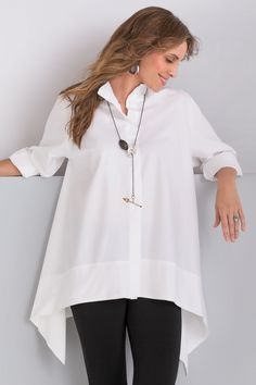 Trapeze Shirt by Planet. This iconic white shirt is a must-have for a creative wardrobe! In breezy poplin, its roomy trapeze shape drapes to long, graceful side points. Modest Fashion, Fashion Dresses, Fashion Clothes, Vetements Clothing, Summer Outfits, Casual Outfits, Summer Clothes, Mode Kimono, Elegantes Outfit
