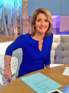 @Kaye Adams from #loosewomen #lwstyle wore a blue New Innocent #dress