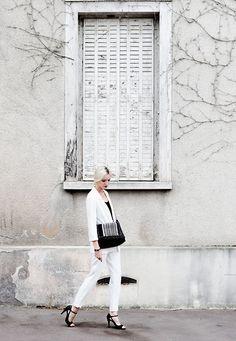 Get this look: http://lb.nu/look/7758374  More looks by Laugh of Artist Gasperi: http://lb.nu/laughofartist  Items in this look:  Kiabi Blazer, Zara Bag, San Marina Heels   #casual #chic #elegant #lbwhiteout