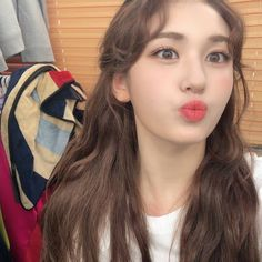 "vitasom_♡ S O M I ♡ on Instagram: ""[TWITTER] 190731 @somi_official_ update  they deleted this tweet so fast...."" Kpop Girl Groups, Korean Girl Groups, Kpop Girls, Jeon Somi, Korean Beauty Girls, Jung Chaeyeon, Kim Sejeong, Girl Artist, Cute Korean"