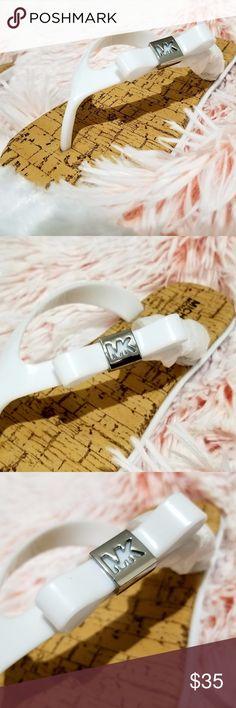 Girl's Michael Kors Cheyenne DD White Sandal SZ 2 New w/o Box Michael Kors Cheyenne DD White Sandals w/ Silver Logo Size 2 Michael Kors Shoes Sandals & Flip Flops