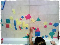 activités intérieures, enfant, jouer au tangram, découpage éponge, jeu d'eau