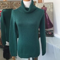 New York & company teal turtle neck sweater Fits more like a medium. Machine washable. Soft and very comfortable. New York & Company Sweaters Cowl & Turtlenecks
