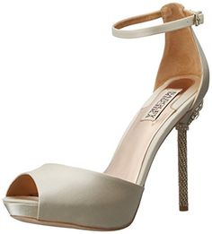 Badgley Mischka Women's Meredith Platform Pump