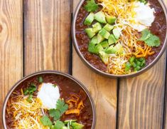This recipe for my favorite homemade chili is definitely loved around the house! It pays homage to my Midwest roots and is very similar to Cincinnati chili. It's hearty, warming, filled with ground beef, heat and lots of delicious seasonings! Loaded Cauliflower, Mashed Cauliflower, Parmesan Cauliflower, Creamy Cauliflower, Cauliflower Recipes, Chili Recipes, Diet Recipes, Crockpot Recipes, Veggie Recipes