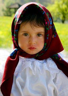 Barsana Maramures, photo: Ana A. Cute Kids, Cute Babies, Baby Kids, Precious Children, Beautiful Children, Art Children, We Are The World, People Around The World, Little Ones
