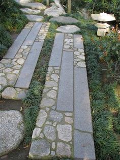 Stonework in the Japanese Garden in San Diego. I like the pathways!