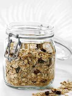 Hjemmelaget frokostblanding (Grete Roede) Mason Jars, Oatmeal, Food And Drink, Breakfast, Weight Loss, Foods, Recipe, Drinks, Board