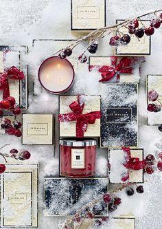 Inspiration provenant de la maison Jo Malone : bougies de Noël cerise et clou de girofle pour parfumer votre intérieur. #espritdenoel
