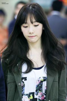 SNSD Taeyeon airport may 2014 | When I look at her I always feel her lonely.