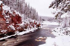Kiutakongas rapids in winter, Kuusamo, Finland, Photo: Th Hurskainen