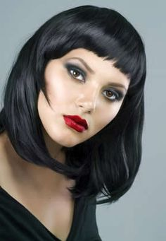 shoulder bob haircut with short bangs. wish I could pull off that color (with pink streaks, lol)