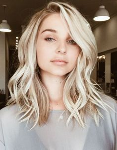 If you want a medium hairstyle that shows serious versatility, a long bob hairstyle is a right choice. No matter what hair type you have, what your face shape and what color you like, a long bob ha… Long Bob Haircuts, Short Haircut, Blonde Long Bob Hairstyles, Cute Medium Haircuts, Curled Hairstyles For Medium Hair, Trendy Haircuts, Long Bob Layered Haircut, Medium Long Hairstyles, Haircuts For Women